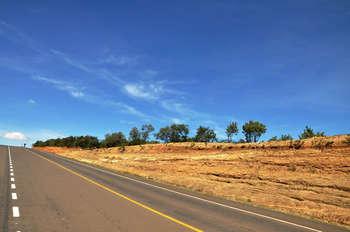 Highway, Kenya - Photo credit: Wajahat Mahmood via Foter.com / CC BY-SA
