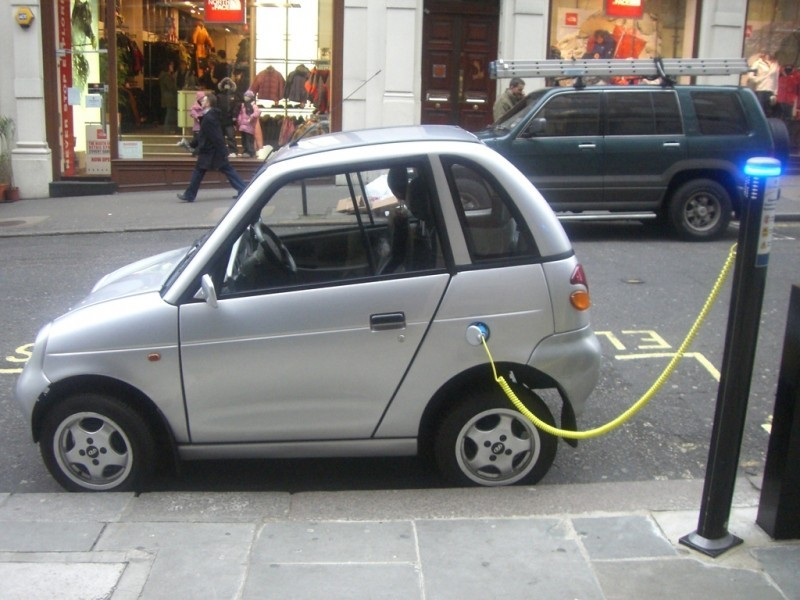 Auto elettrica - Photo credit: frankh via Foter.com / CC BY