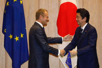 Tusk e Abe - Copyright: European Union