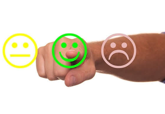 Rating pubblico - Foto di Tumisu da Pixabay