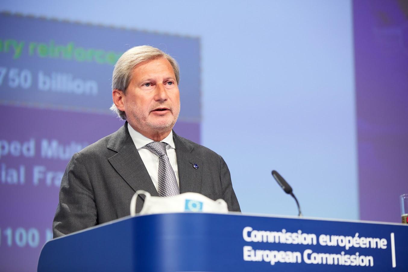 Commissario Hahn - Photocredit: European Union, 2020 - Photographer: Claudio Centonze
