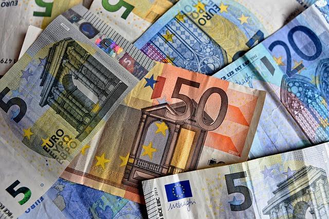 Fondi UE - Foto di Mabel Amber da Pixabay