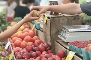 Vendita diretta prodotti agricoli - Photo credit: Foto di Erik Scheel da Pexels