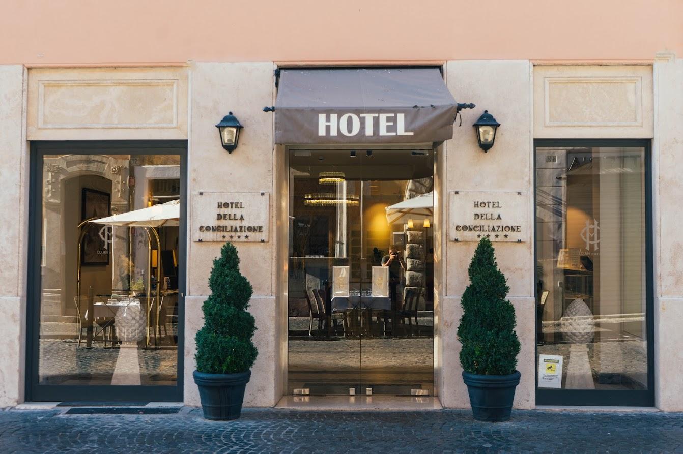Superbonus alberghi - Foto di Martin Péchy da Pexels