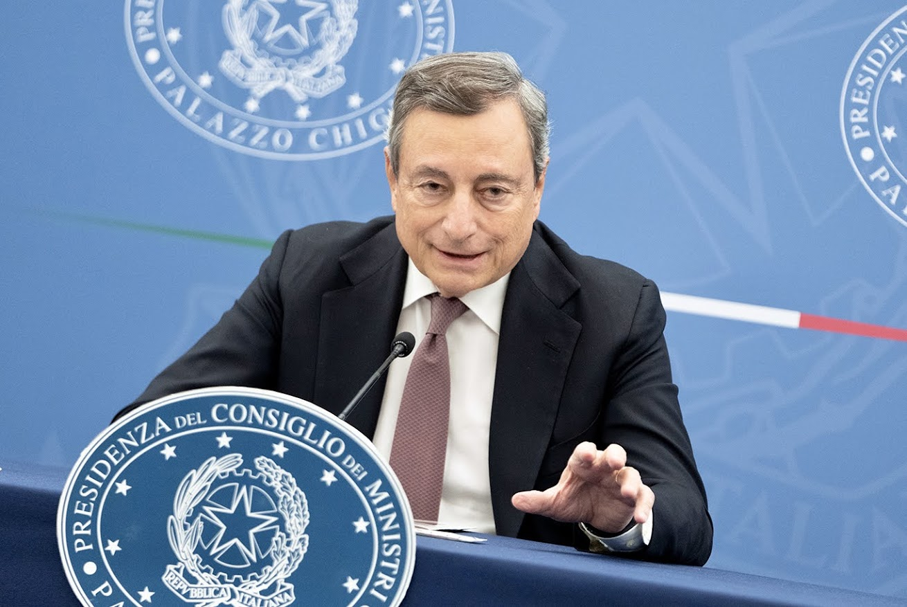 Manovra 2022 - Mario Draghi, photo credit Governo italiano - licenza CC-BY-NC-SA 3.0 IT